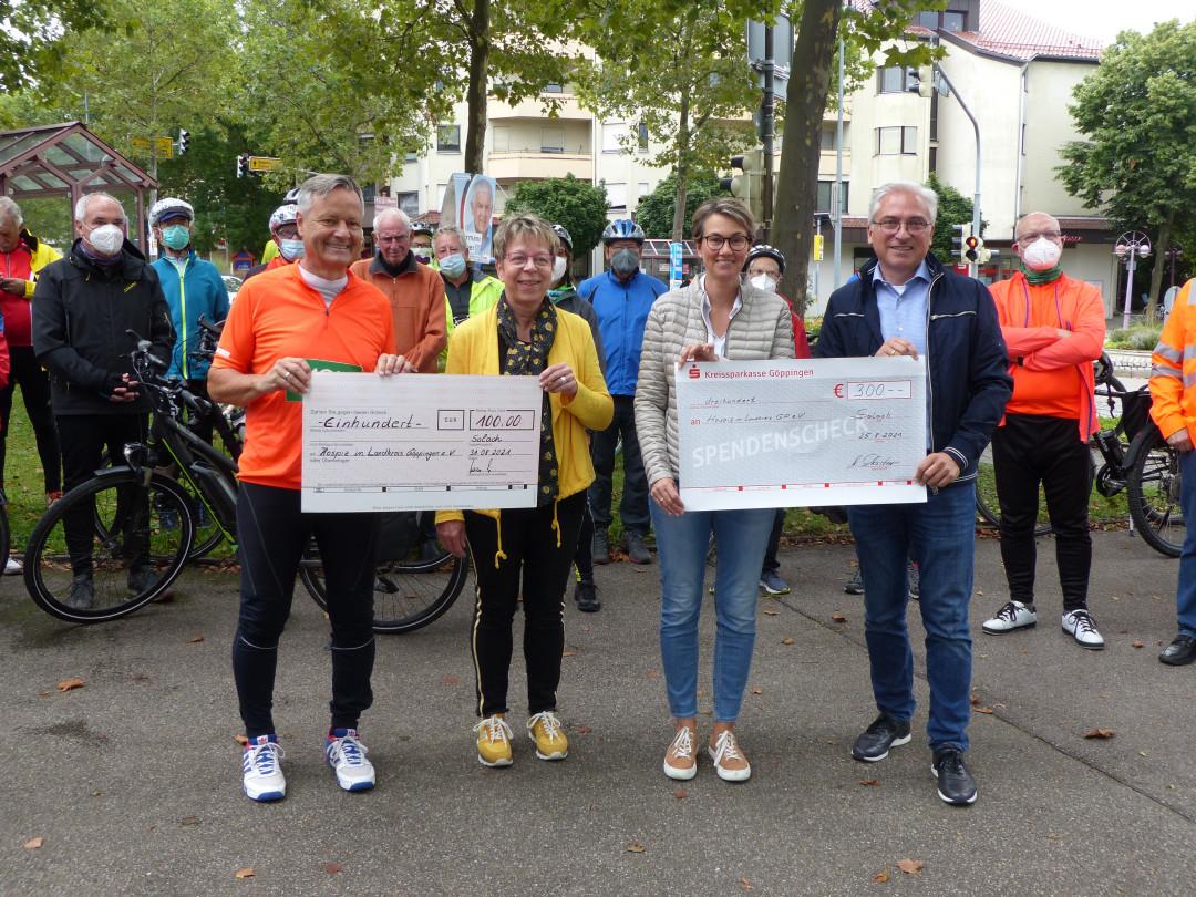 Übergabe der Spendenschecks bei der Tour de Kreisle 2021